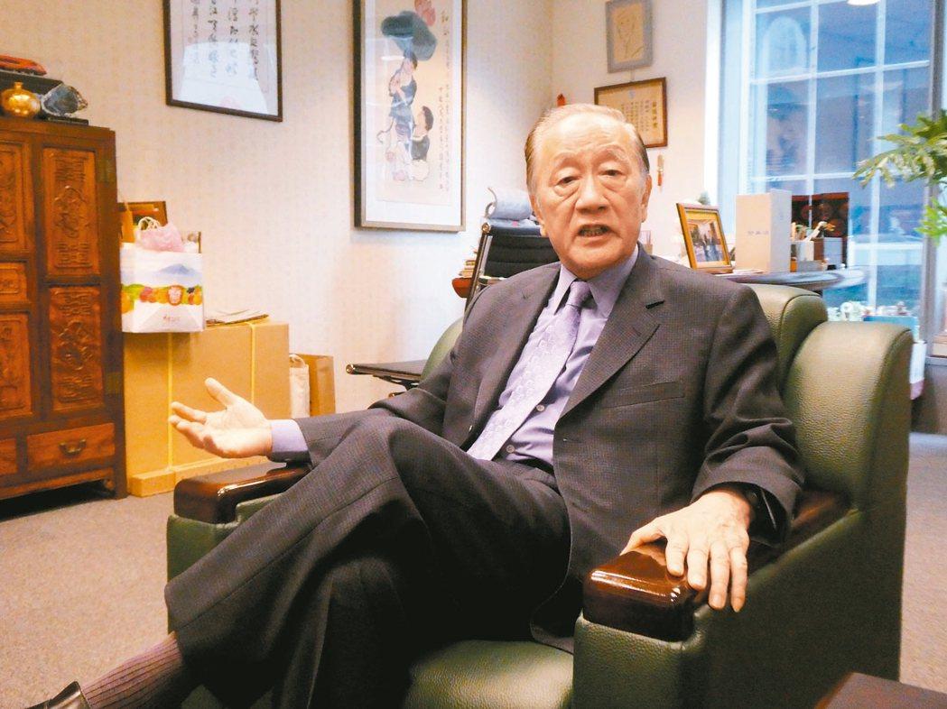新黨黨主席郁慕明接受聯合晚報專訪。 記者周志豪/攝影