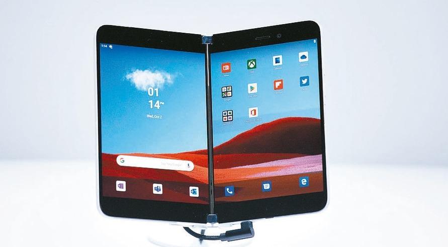 今年微軟Surface Pro平板出貨量大增,成為少數能成長的平板產品類型。圖為...