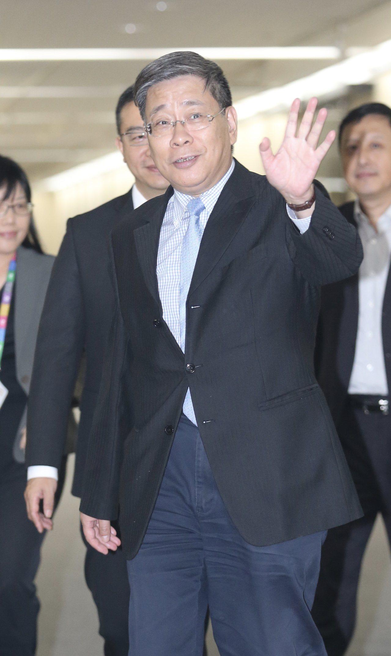 上海市台辦主任李文輝(圖)上午拜訪台北市長柯文哲,雙方闢室密會半小時後,李文輝離...