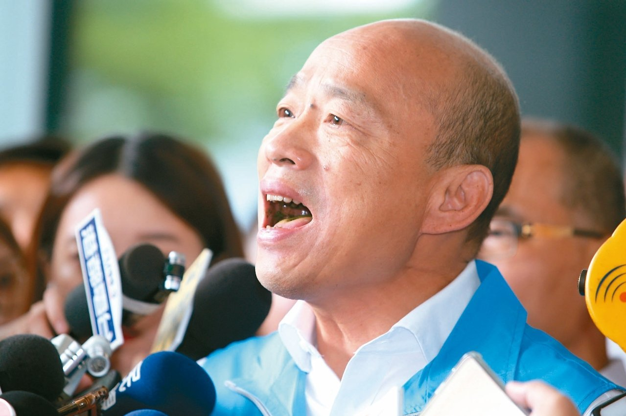 國民黨總統參選人韓國瑜宣布請假參選總統時,高唱「我現在要出征」。聯合報系記者劉學...