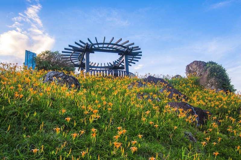 六十石山-鹿蔥亭。圖/取自花東縱谷國家風景區官網