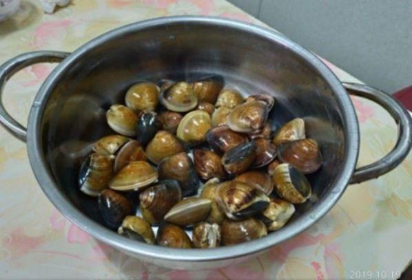 蛤蜊加奶粉水變超飽滿。圖片來源/臉書