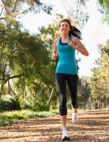 醫師指出鄉,運動有助改善血壓,但長期運動才有效果。 圖/Getty Imag...