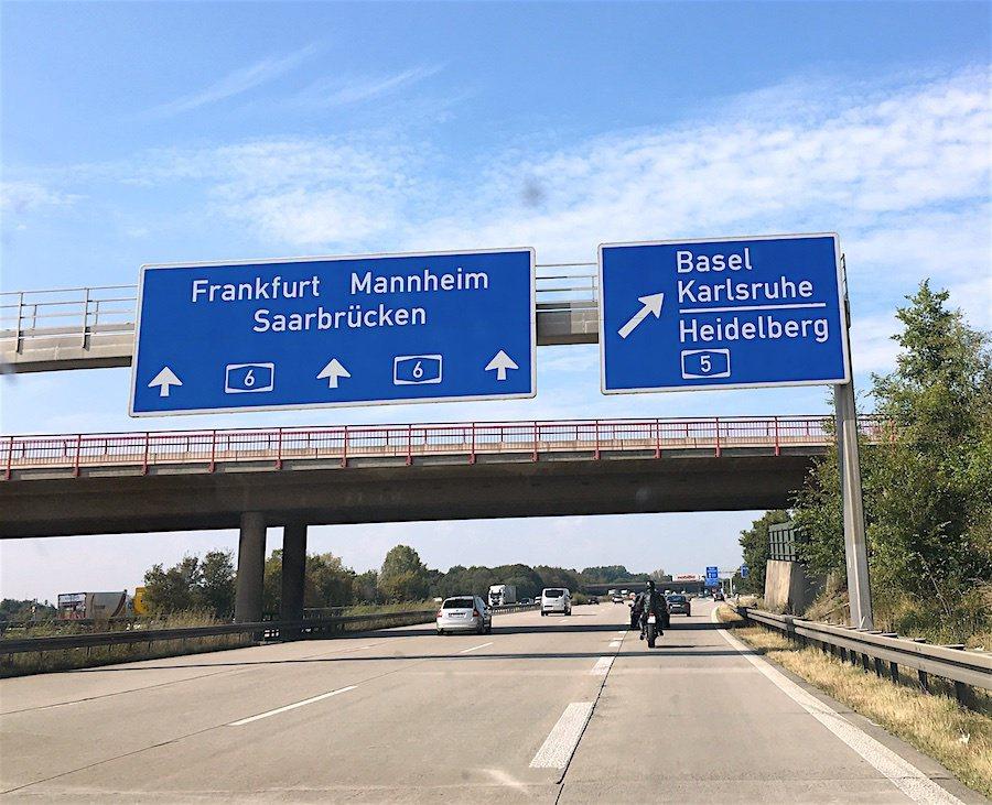 最終德國高速公路限速法案投票慘敗坐收。 摘自The German Way