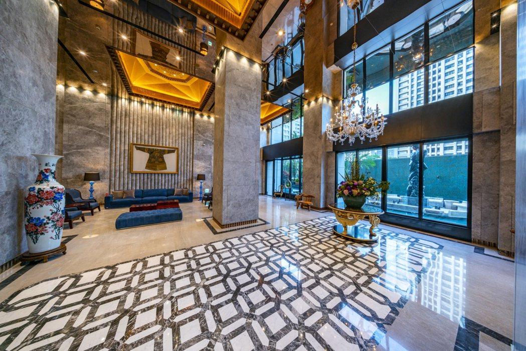 飯店式迎賓大廳實景。圖片提供/雄崗建設