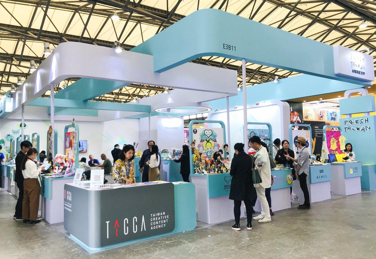 臺灣原創館吸引眾多人潮,引發超高詢問度。圖/文化內容策進院、聯合數位文創提供。