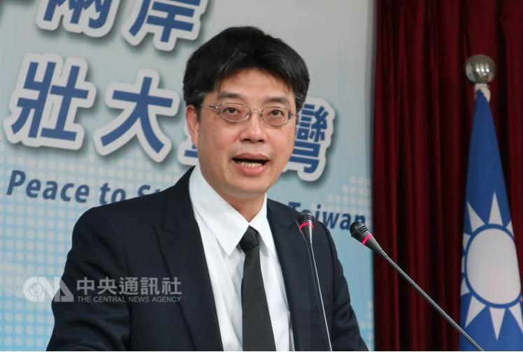 陸委會稱陳同佳「被自首」,港府和陸媒的反應,可輕易看出這是有背後政治力量精心操作...
