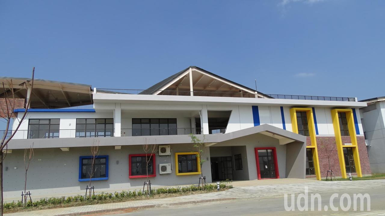 落腳台南官田的西拉雅風景區管理處,其廳舍建築群為綠建築。記者謝進盛/攝影