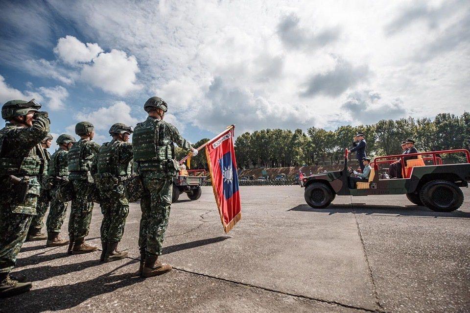 陸軍586旅現正進行聯合兵種營編裝測試。圖/軍聞社