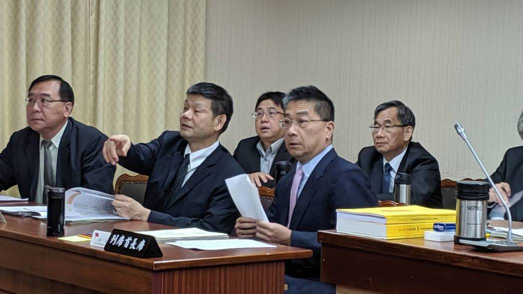 內政部長徐國勇上午在立法院內政委員會表示,只要箱屍案兇嫌陳同佳出現在台灣,就會立...