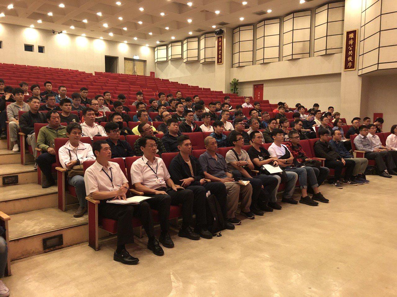 台中市警局今天迎來統調137名人力,今天上午在台中市警局大禮堂舉辦分發作業。記者...