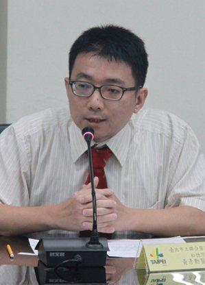 台北市立聯合醫院松德院區兒童青少年精神科醫師黃彥勳。圖/北市衛生局提供