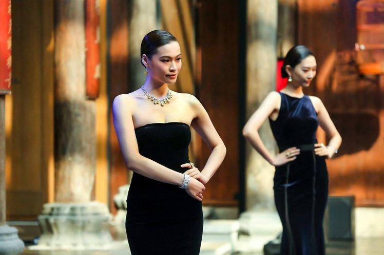 模特兒展示海瑞溫斯頓頂級黃鑽系列。圖/海瑞溫斯頓提供