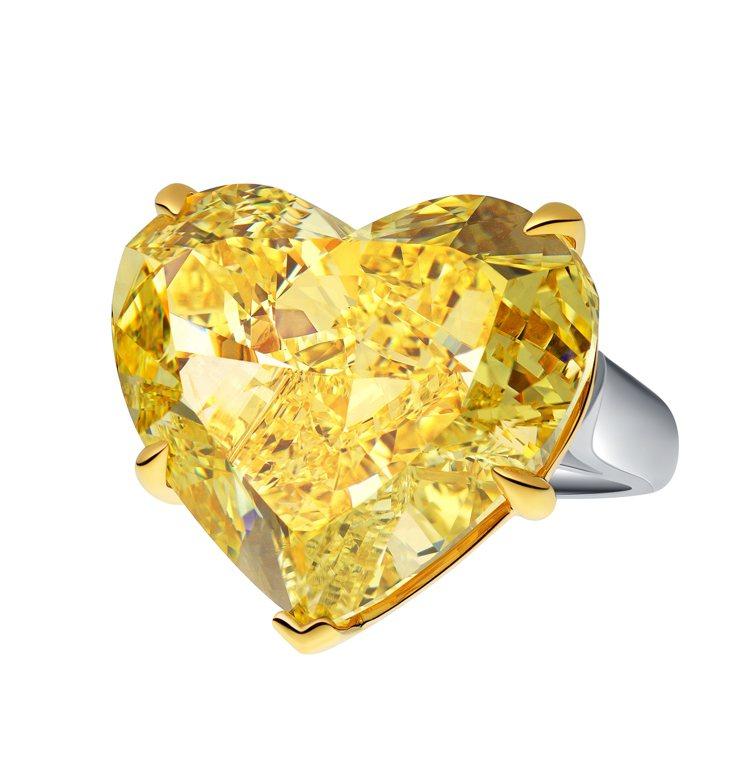 海瑞溫斯頓重達45.22克拉,心型切割黃鑽戒指,售價約台幣1.84億元。圖/海瑞...