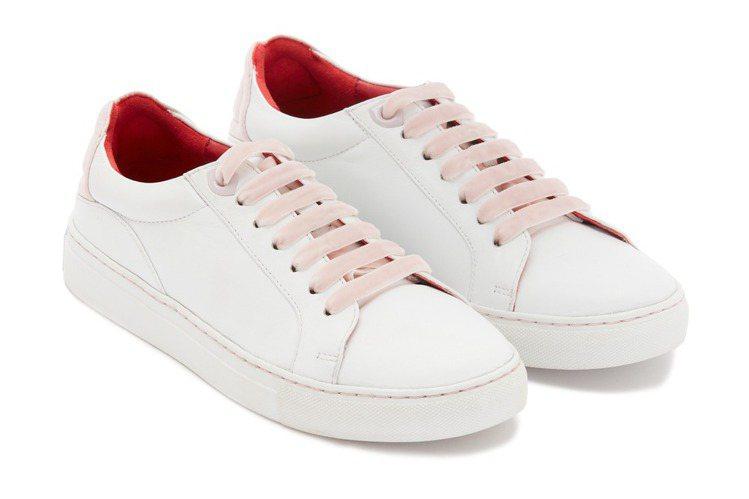 柔美的粉紅色就像女性獨有的溫婉力量,內裡的紅色則透露堅定沉穩。圖/LULU GU...