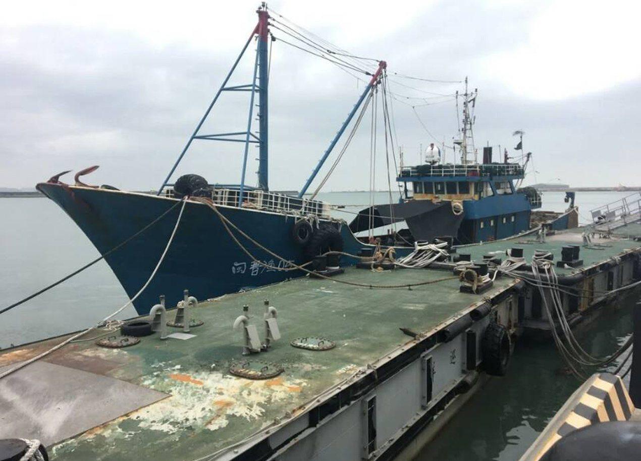 大陸閩晉號漁船撞壞海巡署船艦,當時被押返台北港,桃園地檢署偵結支付100萬元賠償...