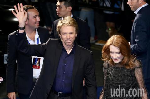 好萊塢巨星威爾史密斯、導演李安和製片傑瑞布洛克海默晚上出席「雙子殺手」紅毯首映。