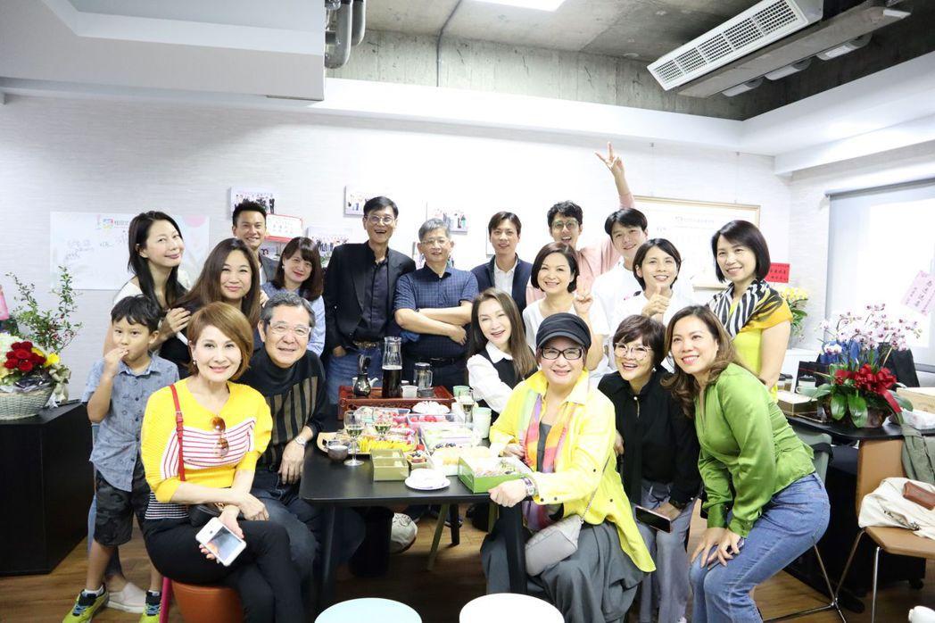 桂田文化藝術基金會舉辦喬遷茶會,許多藝人到場祝賀。圖/桂田文化藝術基金會提供