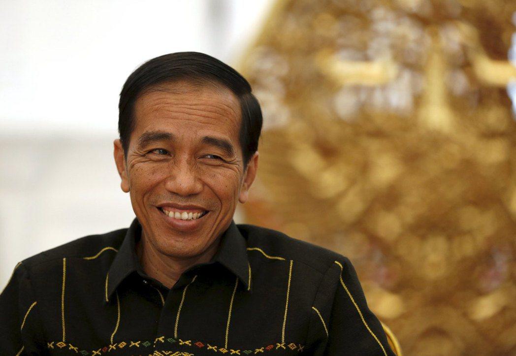 印尼總統佐科威積極組建內閣人事,向野黨主席和Go-Jek創辦人遞出橄欖枝。路透