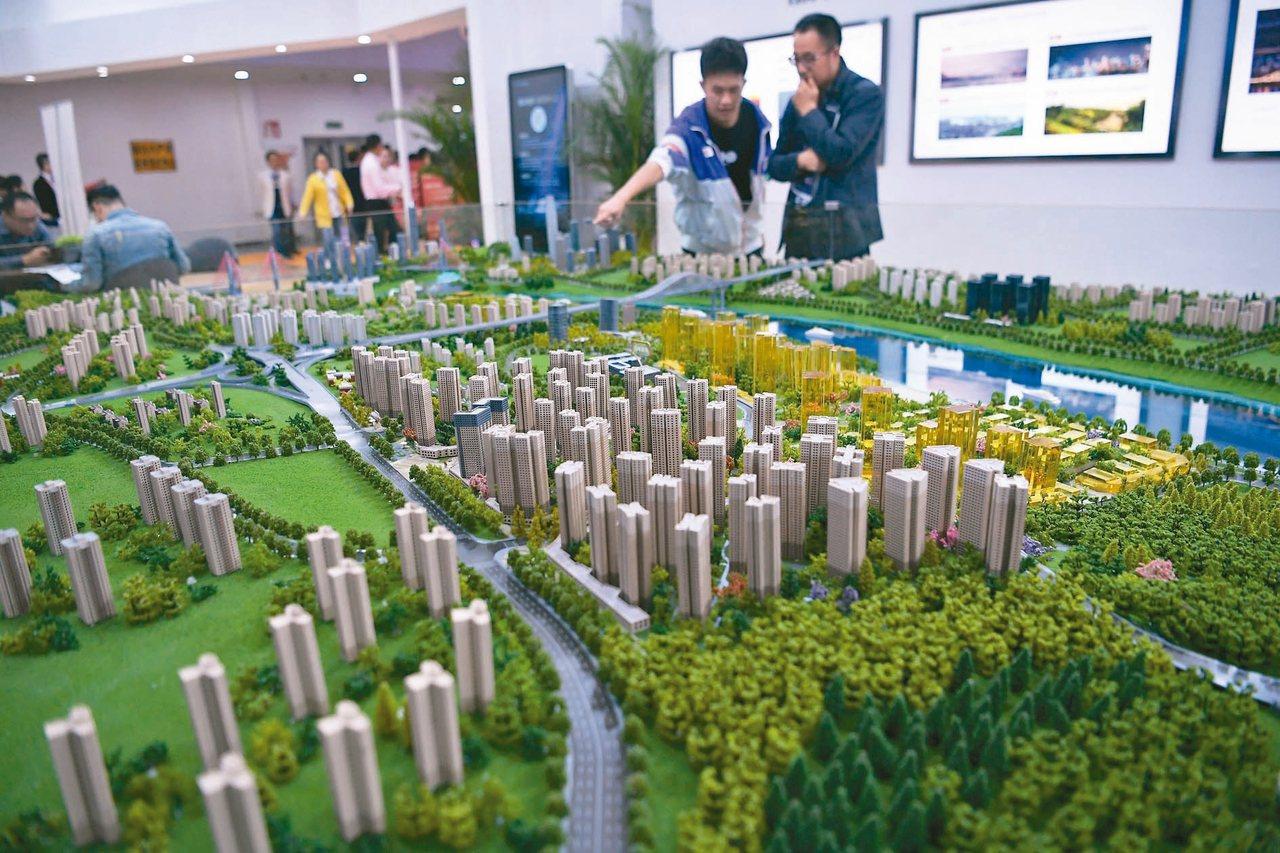 9月數據顯示,一線城市新建商品住宅和二手住宅銷售價格同比漲幅略有擴大。圖為10月...