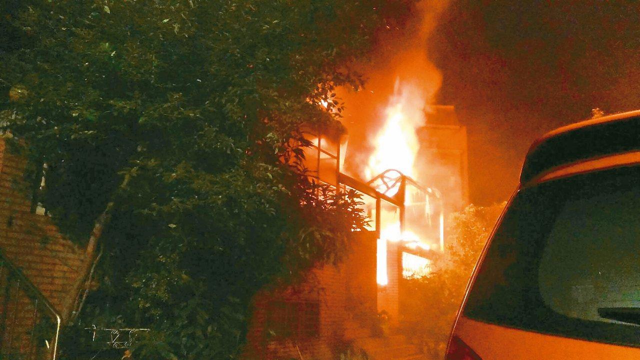 新北市鶯歌民宅火災,造成三死一傷。 記者林昭彰/翻攝