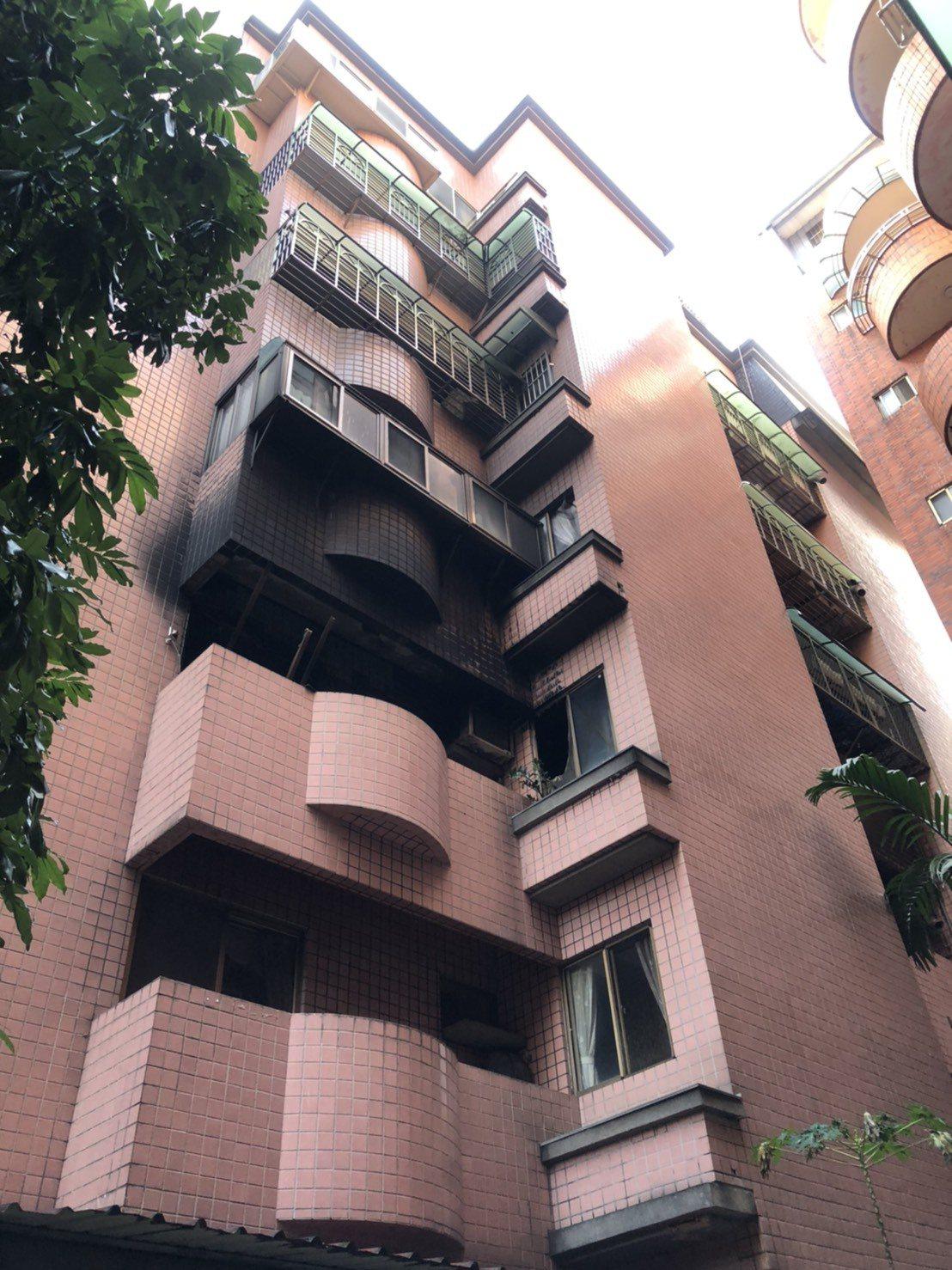 桃園市延壽街1棟7樓住宅昨深夜12點多傳出火警,造成一死。記者曾健祐/攝影