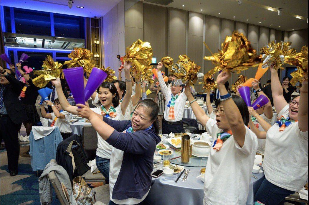 熱情活潑的客服人讓頒獎典禮氣氛沸騰。客服協會/提供