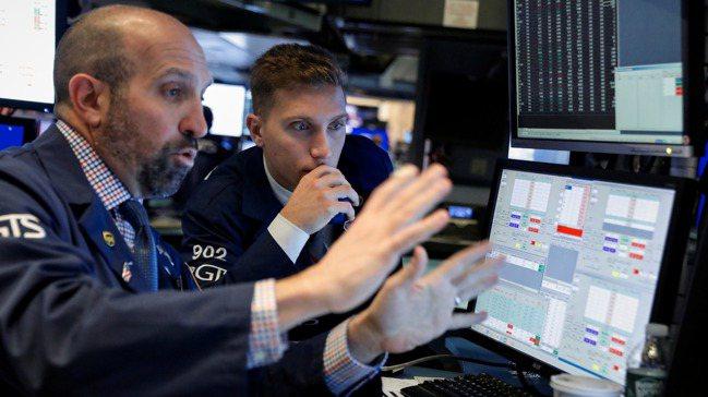 投資人關注美中貿易磋商之餘,也該看看本周的企業財報。路透