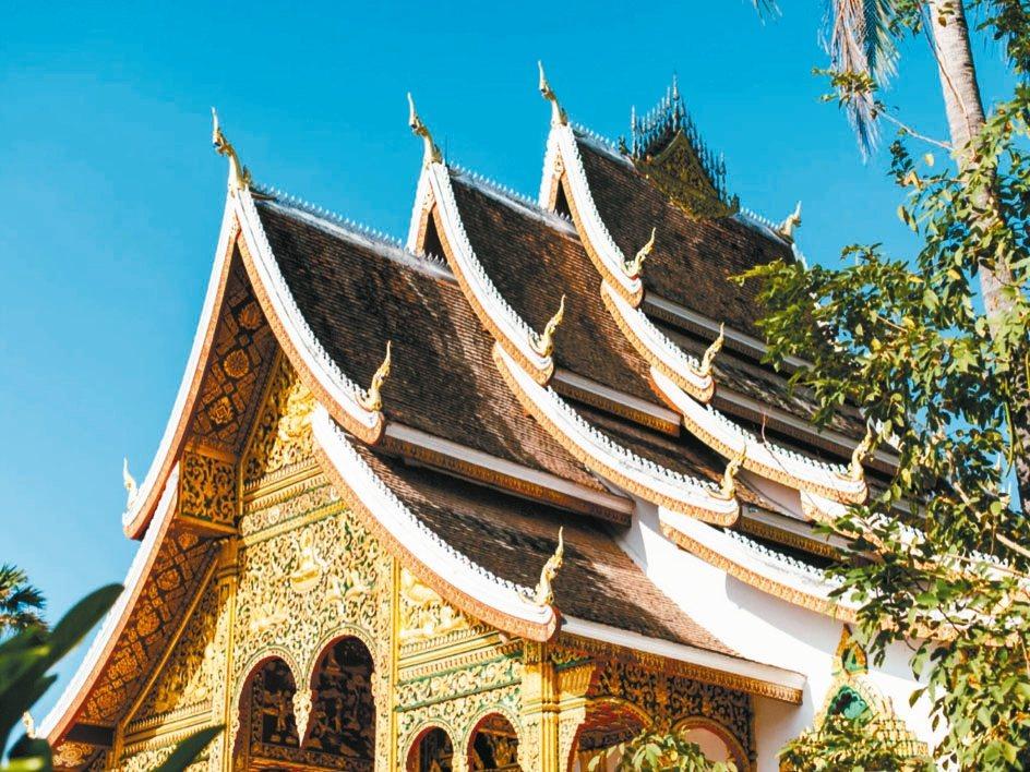 篤信佛教的寮國,寺廟建築極具特色。 圖/有行旅提供