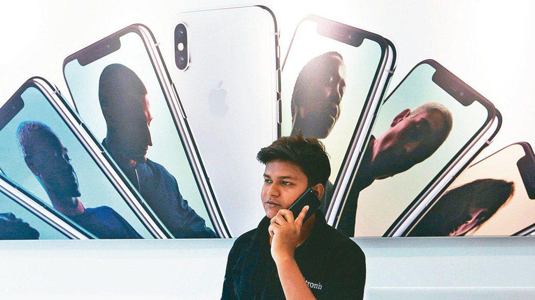 鴻海在印度組裝的iPhone XR已開始出貨,主要銷售在當地市場,這也顯示鴻海分...