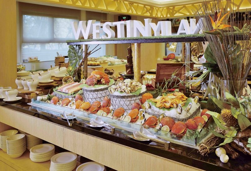 宜蘭力麗威斯汀的「知味西餐廳」餐檯上的精緻新鮮美食。 業者/提供