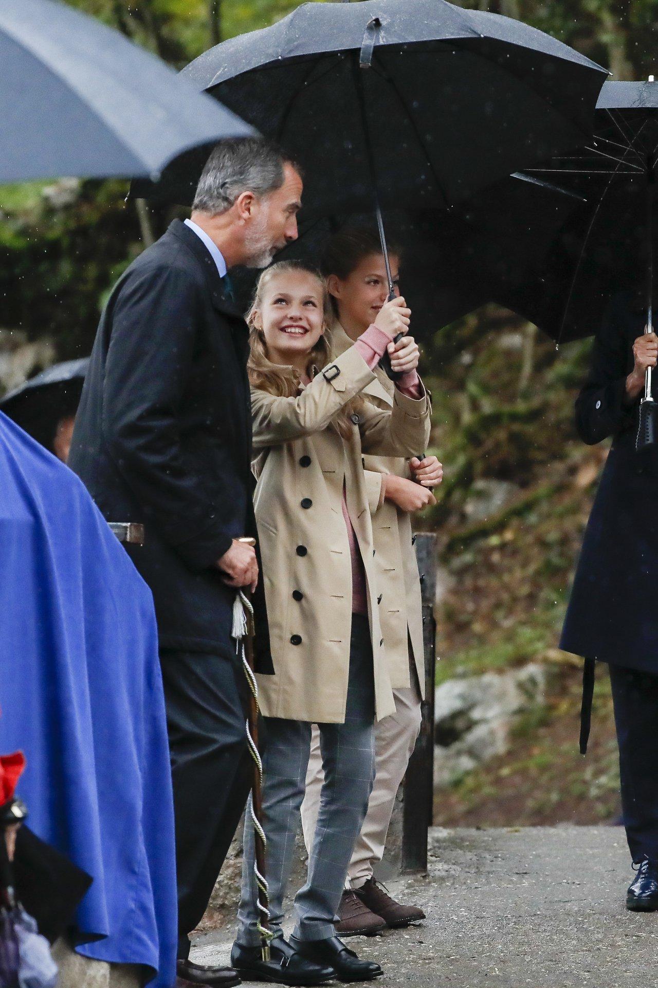 近日,西班牙王室出訪,除了費利佩國王(King Felipe)與蕾蒂希亞王后(Q...