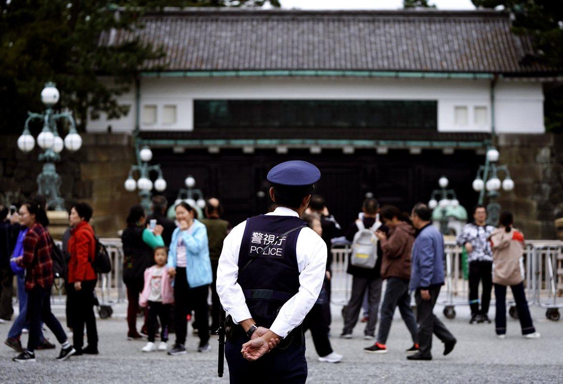 在這次的點禮準備前置作業上,日本政府也從全國調派了2萬6,000多名警力戒備,強...
