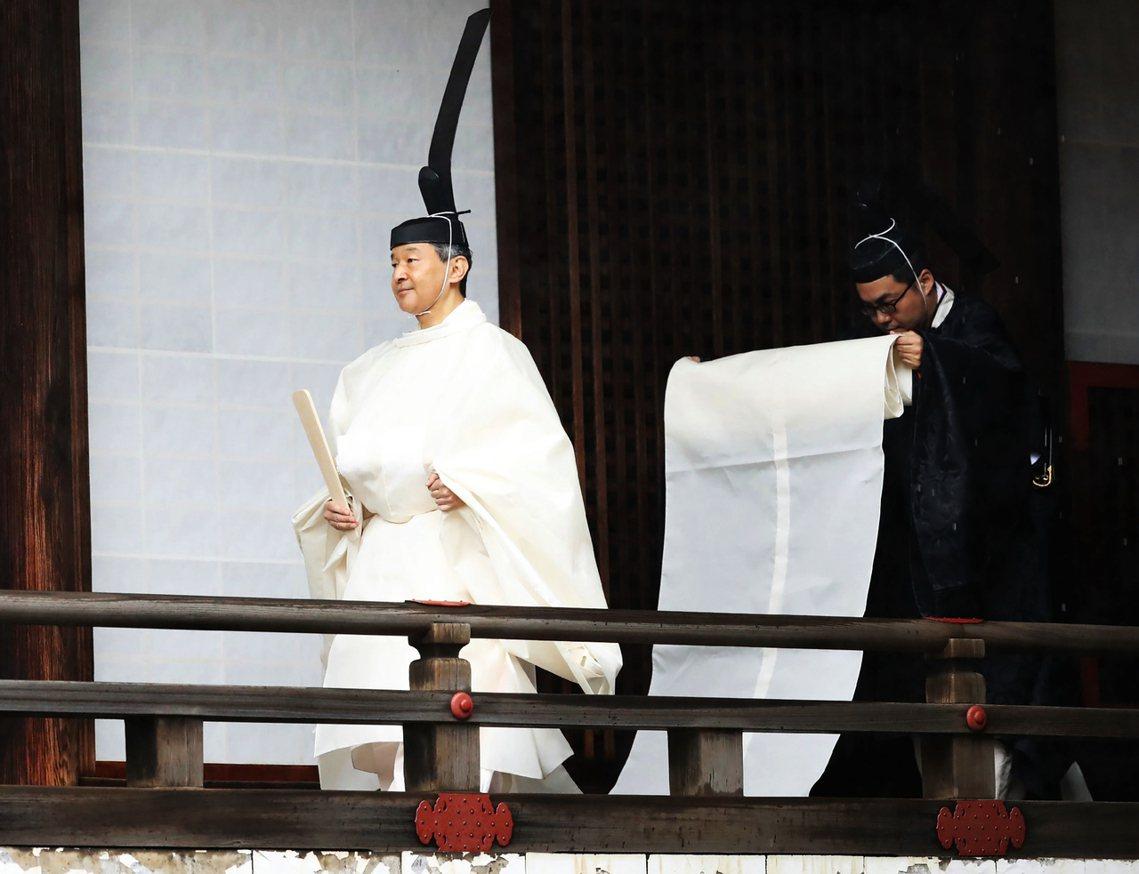 日本德仁天皇在今天22日舉行「即位禮正殿之儀」,這是今年度邁入令和時代的皇位繼承...
