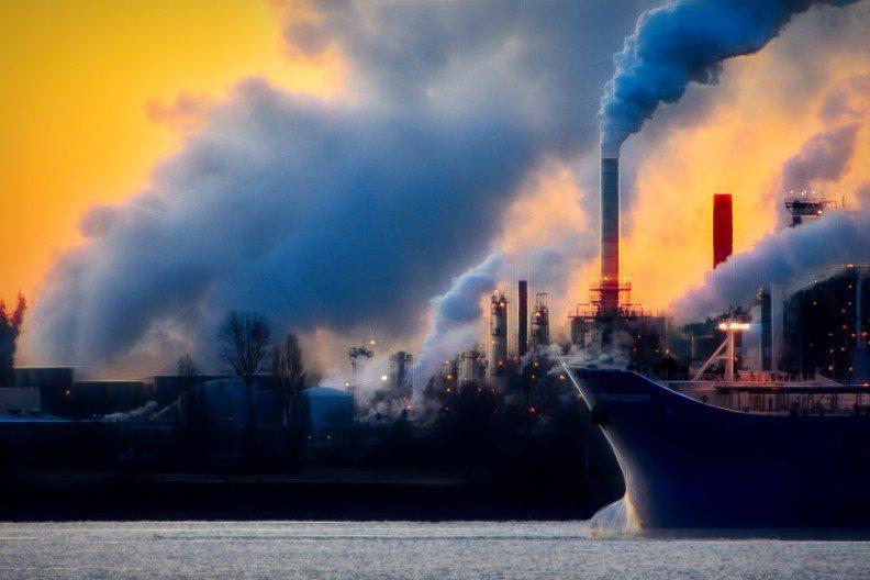 人類自工業革命之後,大量燃燒石化燃料,製造出相當驚人的碳排量。取自pexels
