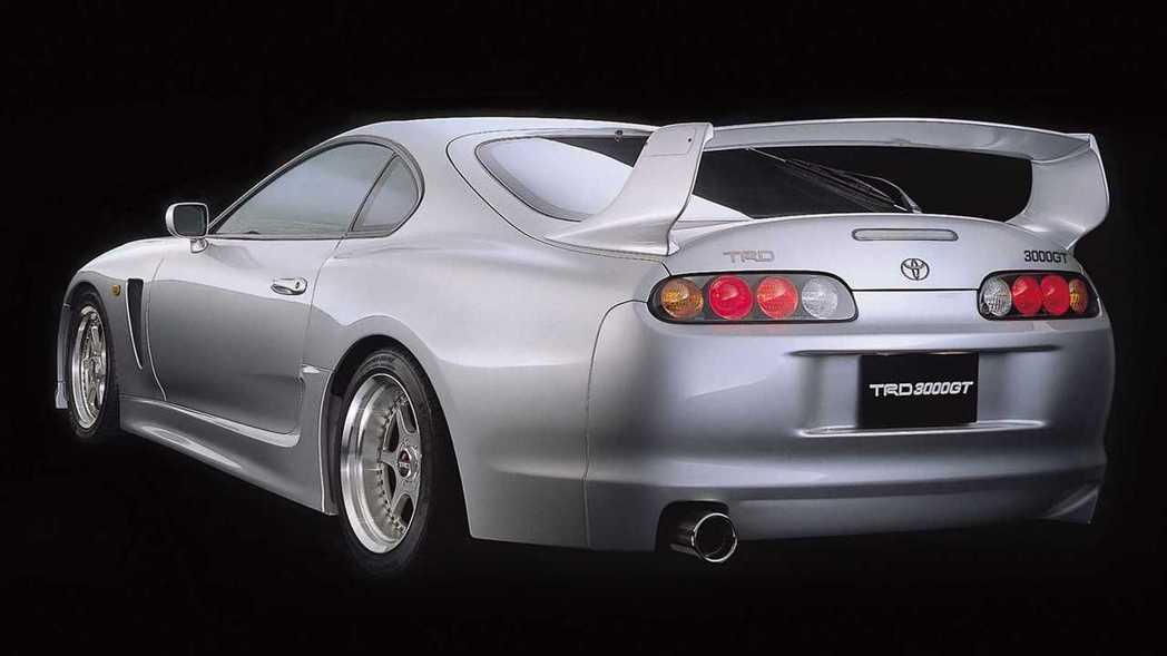 1994 TRD Supra 3000GT經典的大尾翼。 摘自Toyota