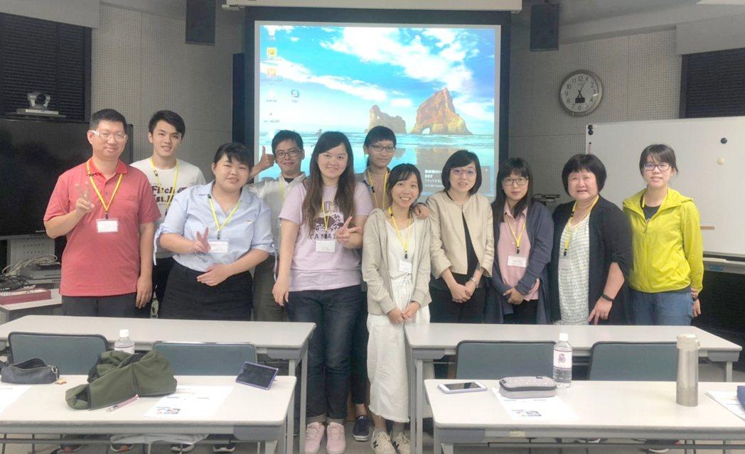 嘉藥藥學系舉辦海外研習經驗分享會,與學弟妹分享美日實習心得。 嘉藥/提供