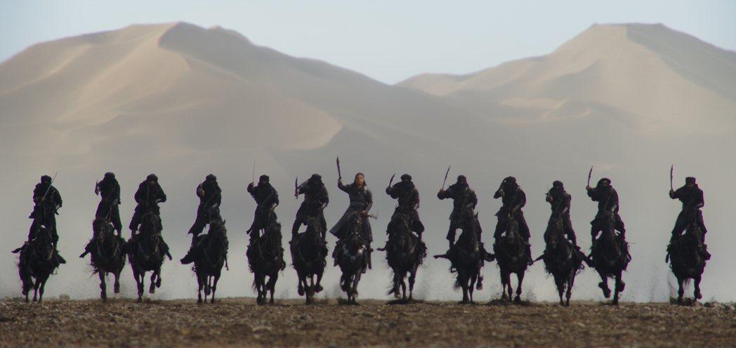 「花木蘭」據傳將開始4個月的重拍,以戰爭場面為主。圖/摘自imdb