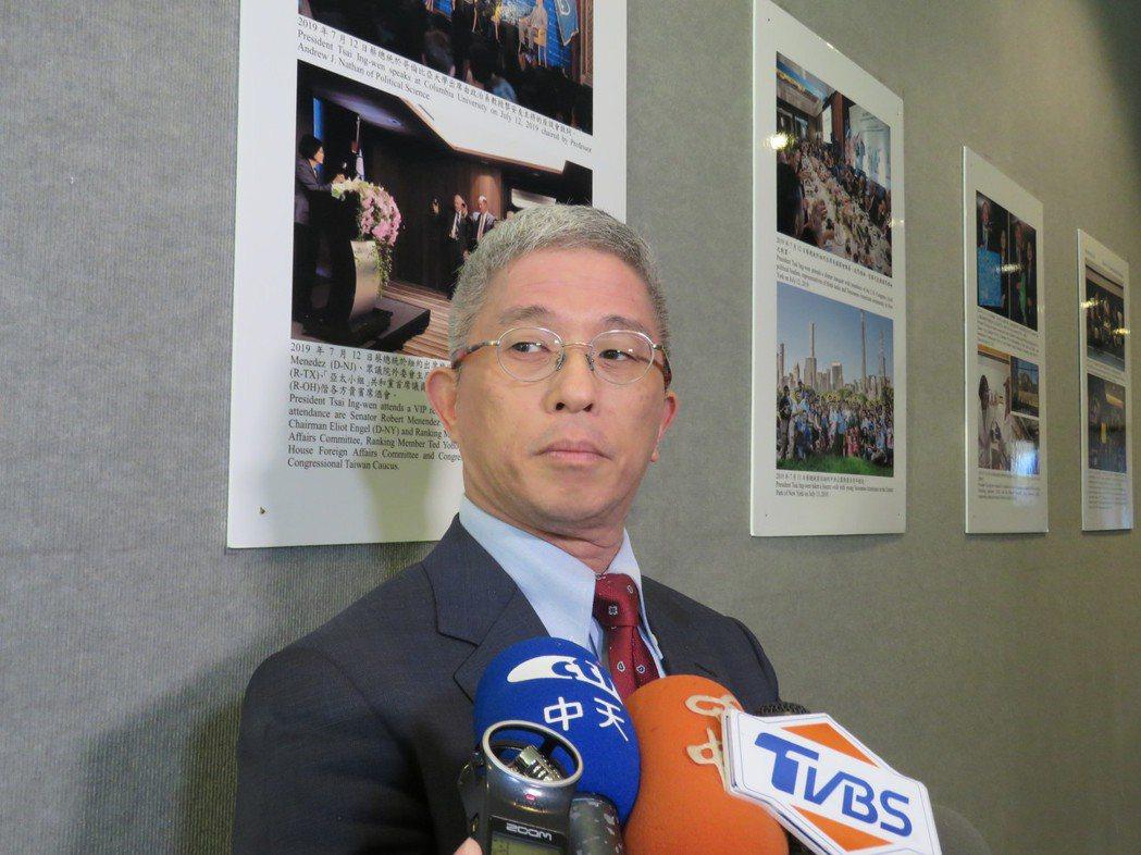 外交部次長徐斯儉訪美國華府,21日會晤美國國務院亞太助卿史達偉,徐斯儉會後在我駐...