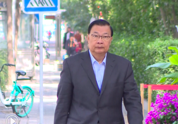 香港籍的中共全國人大常委譚耀宗批評台灣以政治凌駕司法處理陳同佳案。(香港電台)