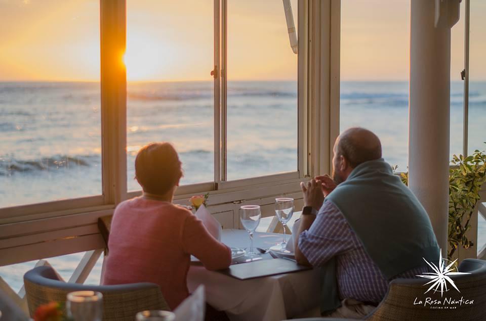 祕魯海玫瑰餐廳因男女顧客菜單不同而被控歧視。取自臉書(@larosanautic...