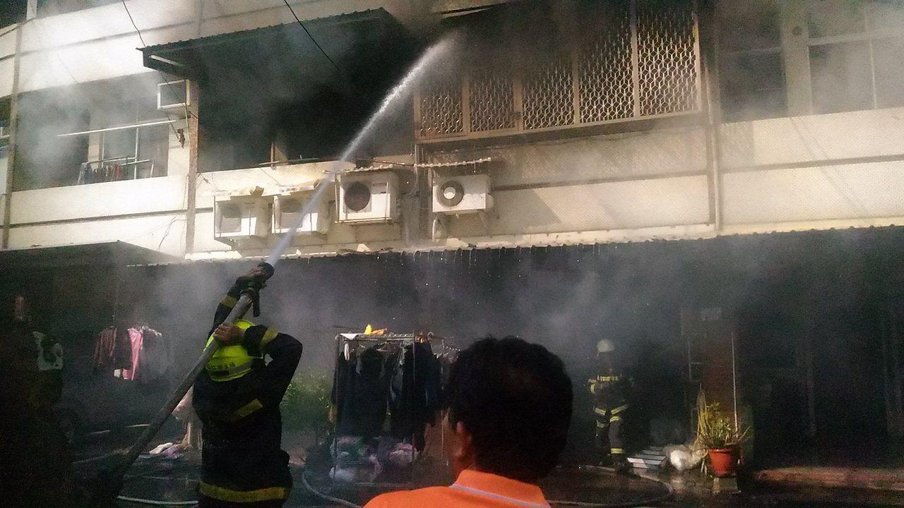 台南市歸仁區民宅火災。記者黃宣翰/攝影