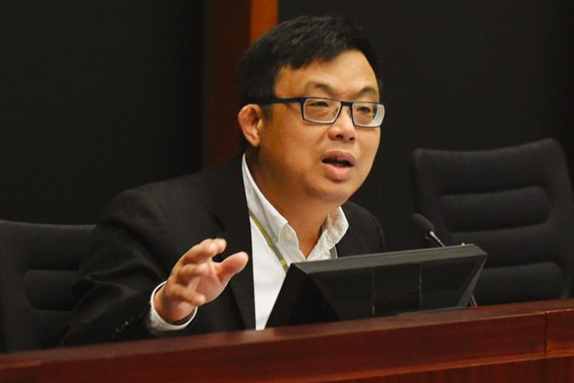 呼籲港府向台灣提供陳同佳案證據,香港民主黨立法會議員涂謹申說,港府不要只會麥克風...