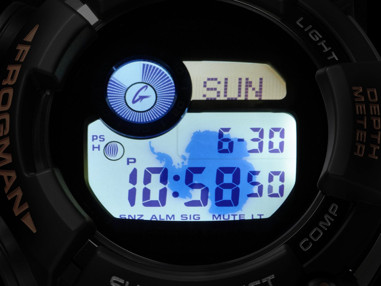 FROGMAN系列限量紀念GWF-D1000ARR腕表的冷光照明浮現南極洲圖樣。...