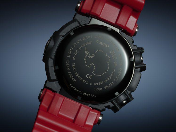 FROGMAN系列限量紀念GWF-D1000ARR腕表,底蓋鐫刻了南極洲圖樣。圖...