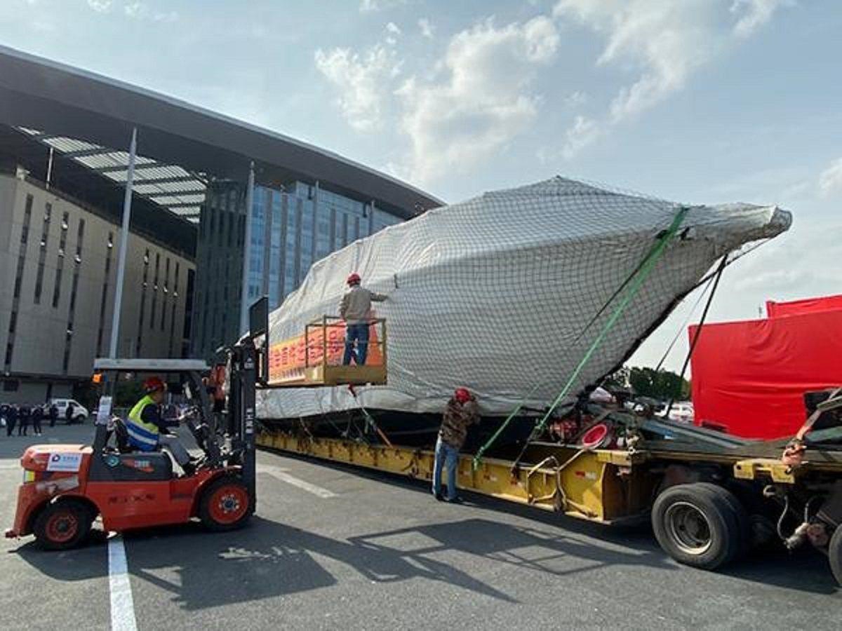 全長20公尺,重約37噸的FSD 195高速巡邏艇,首次在亞洲。圖/看看新聞網