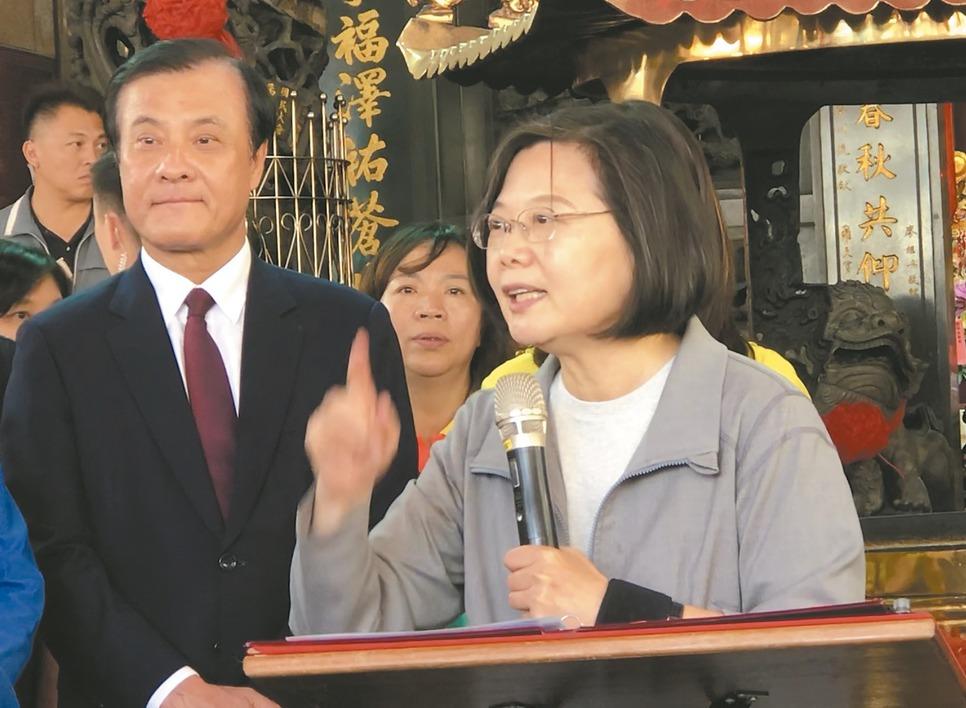 蔡英文總統(右)與立法院長蘇嘉全(左)。圖/聯合報系資料照片