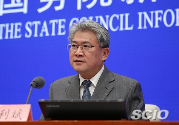 大陸工信部新聞發言人黃利斌表示,大陸將進一步對外資開放電信、互聯網、汽車等領域,...