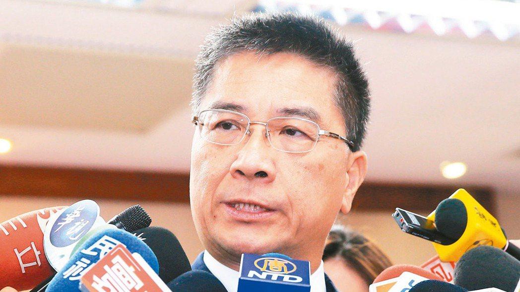 內政部長徐國勇上午出席立法院內政委員會,表示沒有拒絕陳同佳來台,但是要臨櫃申請。...