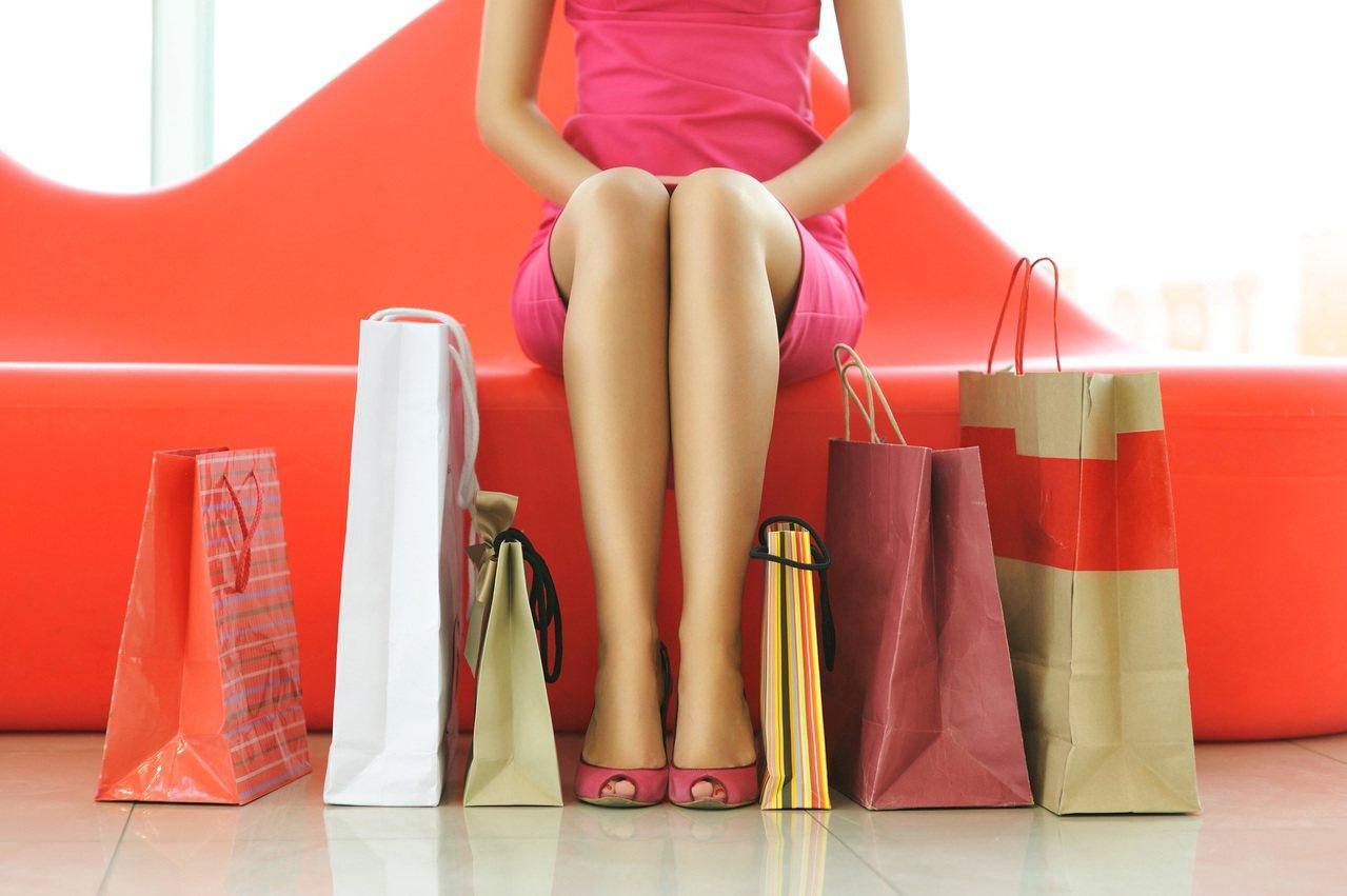 周年慶對許多女性顧客具有強大的吸引力。 圖/Ingimage